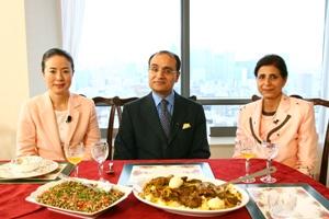大使館の食卓
